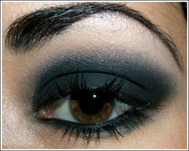 eye makeup look. Dramatic eye make up is a