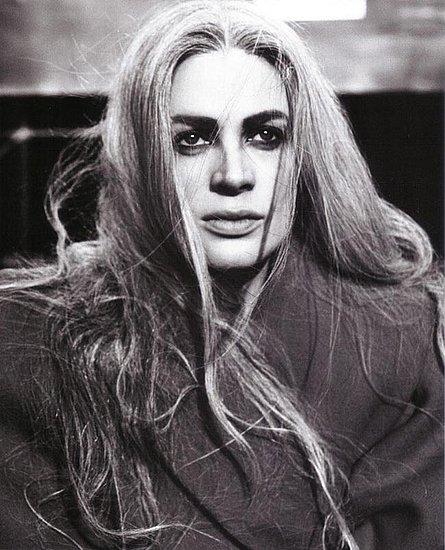 kristen mcmenamy. Kristen McMenamy does Vogue